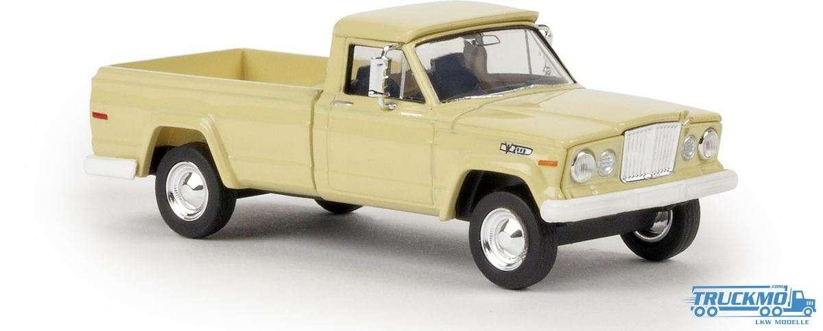 Brekina Jeep Gladiator A elfenbein 19802