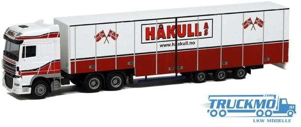 AWM Hakull DAF XF 105 SSC jumbo box trailer