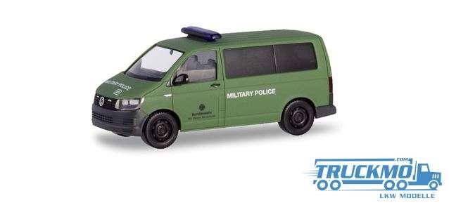 Herpa BW Militärpolizei VW T6 Bus Feldjäger im Ausland oliv matt 933025
