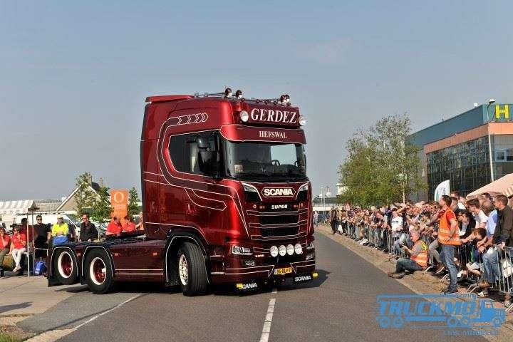 Tekno Gerdez Scania S-Serie Highline 650 Nachlaufachse Trekker 76133