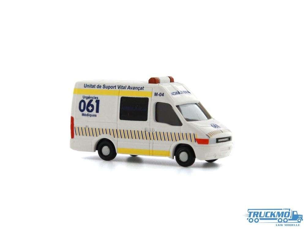 Rietze Ambulancia Iveco Daily 16973 1:160