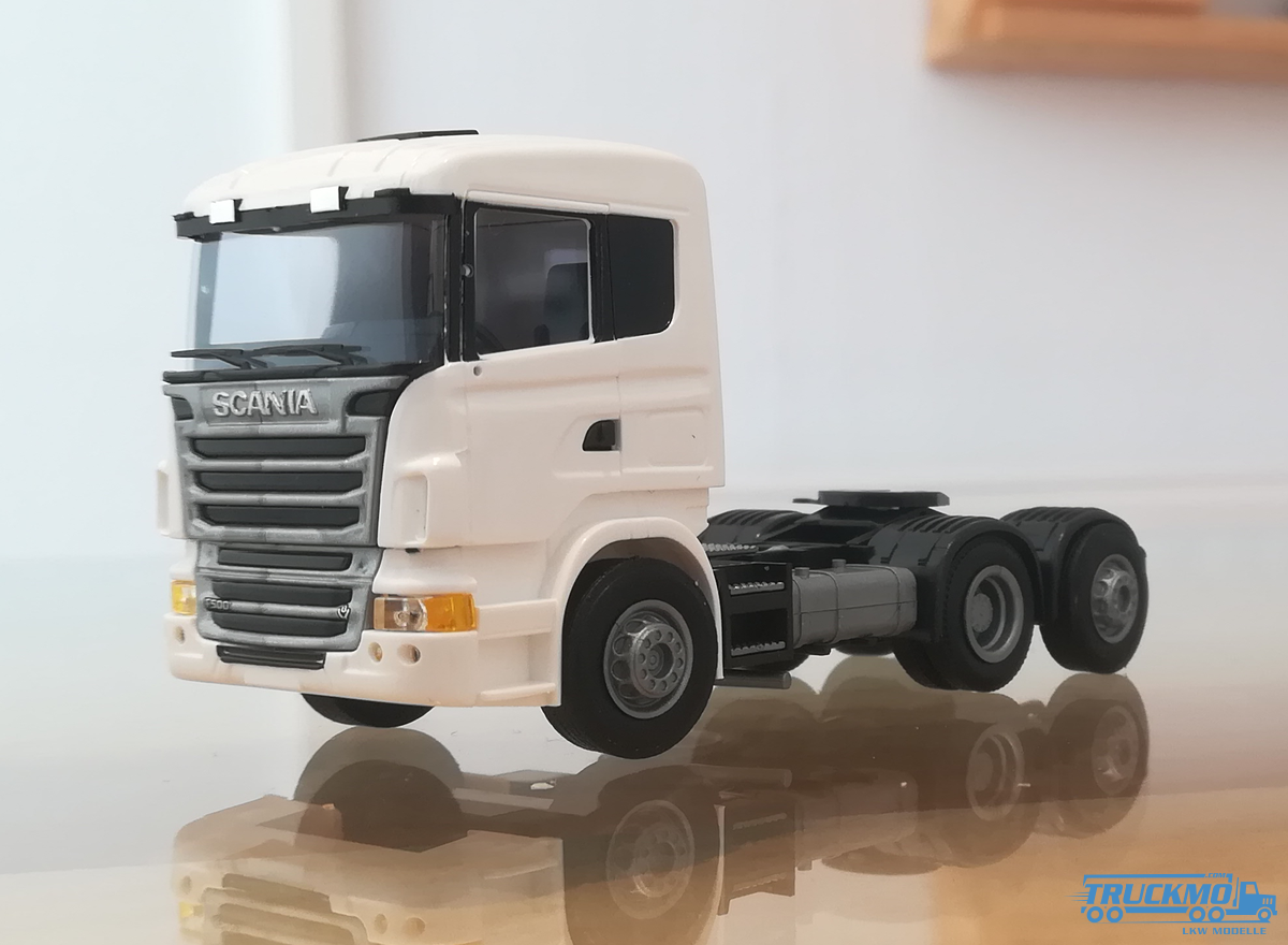 AWM Scania R09 weiß 8419.51