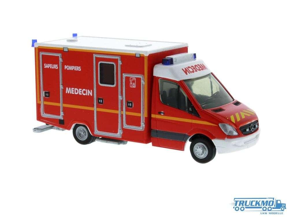 Rietze Sapeurs Pompiers Wietmarscher Ambulanzfahrzeug RTW Mercedes Benz 61786