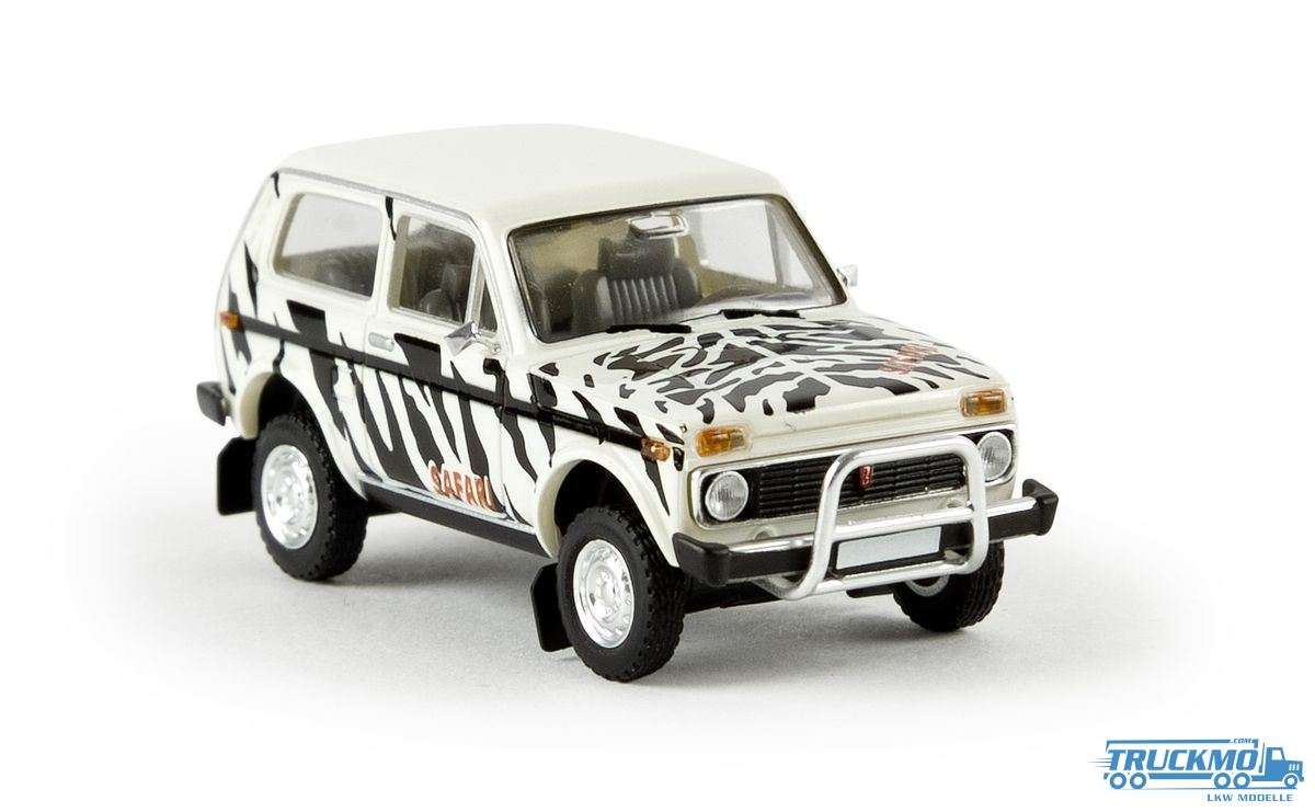 Brekina Safari Lada Niva 27216