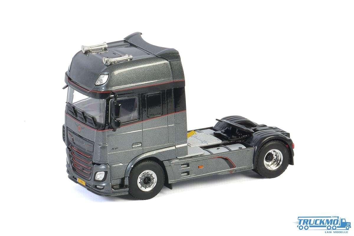 WSI Truckland GT DAF XF Super Space Cab MY2017 04-2105