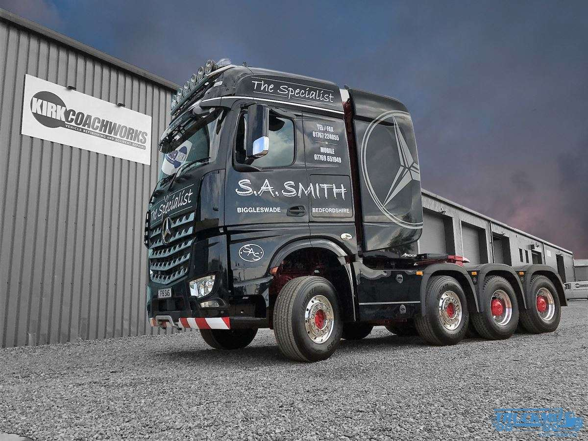IMC Models S.A. Smith Mercedes Benz Arocs BigSpace 8x4 33-0131