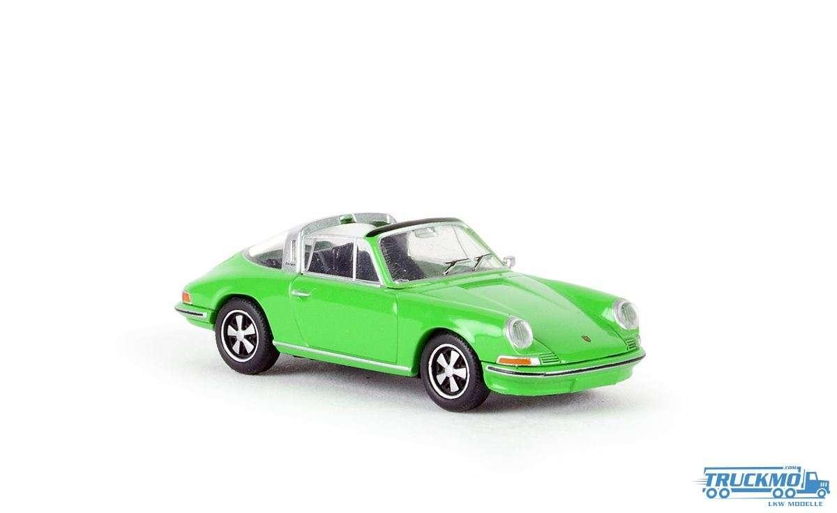 Brekina Porsche 911 Targa freshgreen 16264