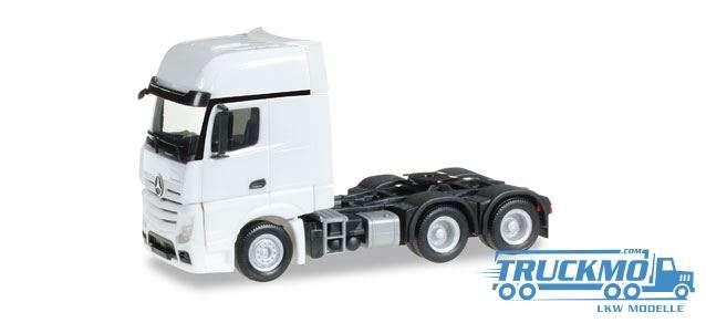 Herpa LKW Modell Mercedes-Benz Actros Gigaspace 6x4 Zugmaschine weiß 305167-002