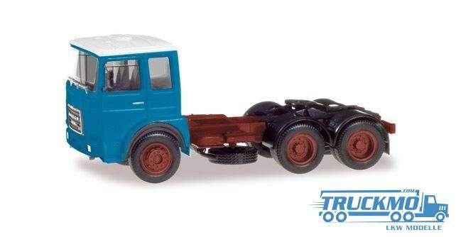 Herpa Roman Diesel 6×4 Zugmaschine hellblau, Dach weiß 310567