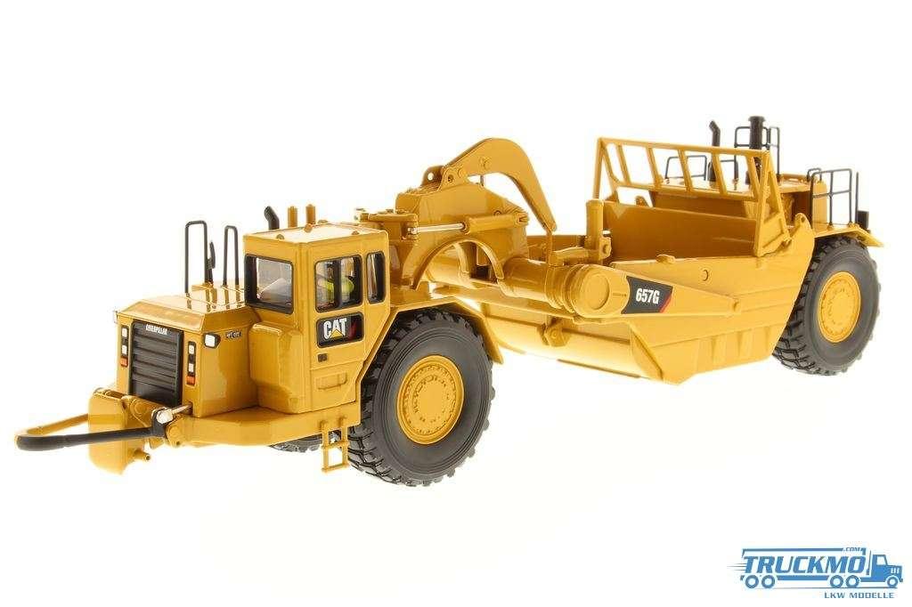 Diecast Masters CAT 657G Scraper 85175
