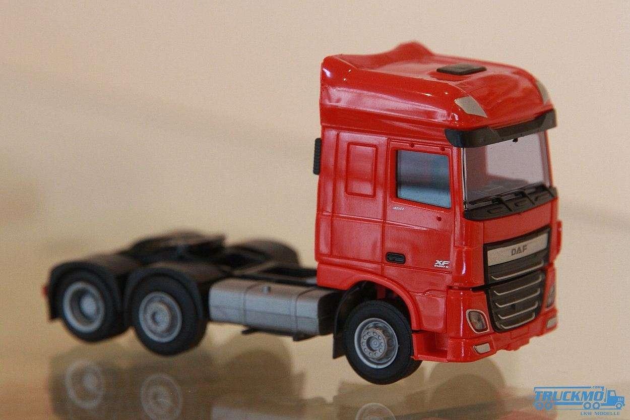 AWM DAF XF 106 SSC Zugmaschine 3-Achs rot 9039.52