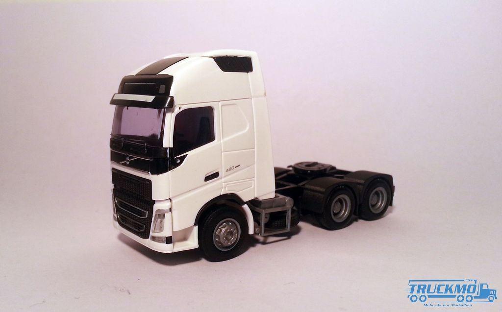 AWM Volvo FH4 XL Glob./Aerop. SZM 3-achs weiß