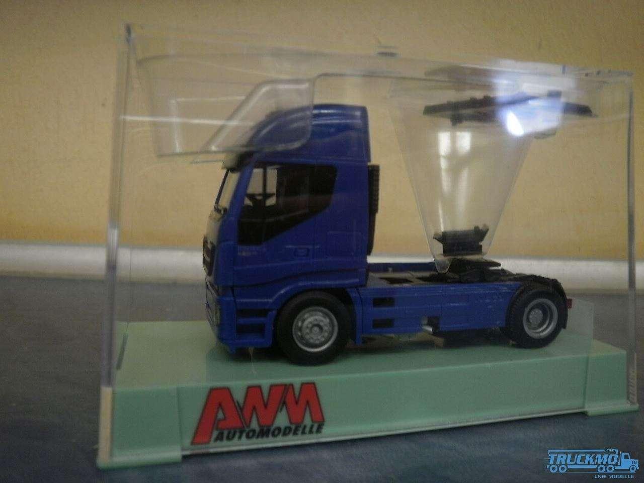 AWM Iveco Stralis HiWay Zugmaschine 2-Achs blau
