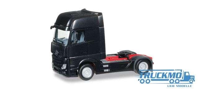 Herpa LKW Modell Mercedes-Benz Actros Gigaspace Solo-Zugmaschine schwarz 159173-005