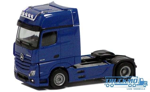 Herpa Mercedes Benz Actros Gigaspace 2.5 blau