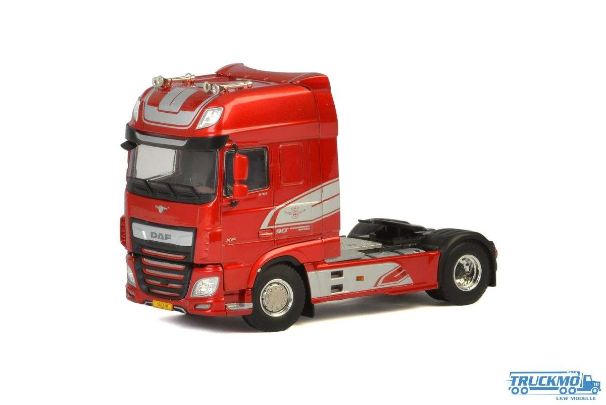WSI DAF XF Super Space Cab My2017 red 04-2063