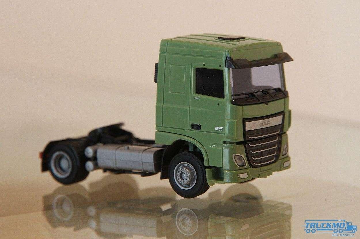 AWM DAF XF106 SC Zugmaschine (2-achsig) grün 9019.02