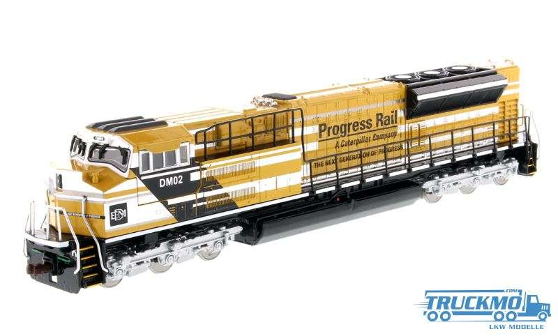 Diecast Masters CAT SD70ACe-T4 Locomotive Yellow & Black 85546