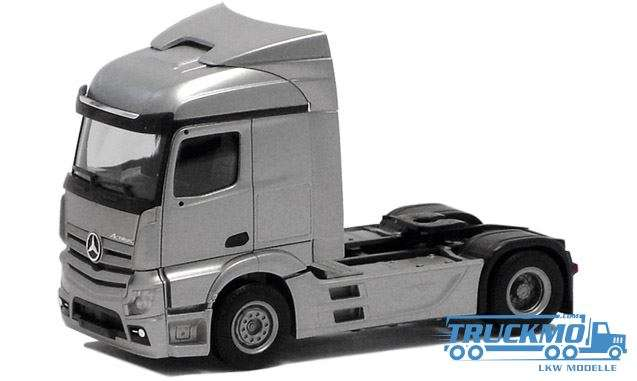 Herpa Mercedes Benz Actros Stream Space 2 achs (silber lackiert, Chassis schwarz) 560438