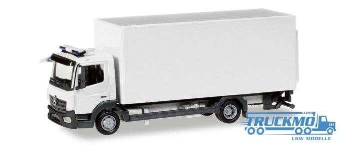 Herpa MiniKit: Mercedes-Benz Atego Koffer-LKW mit Ladebordwand weiß 013239
