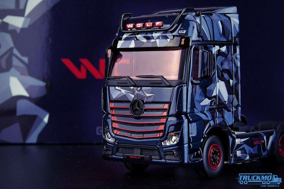 IMC Models Limited Specials Actros Wolf Mercedes Benz Actros Gigaspace 33-0143