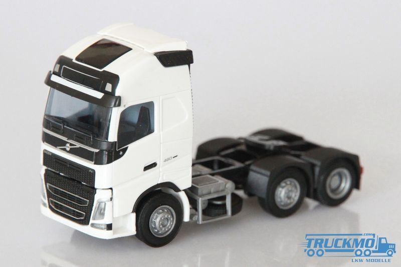AWM Volvo FH4 XL Globetrotter SZM 3-achs